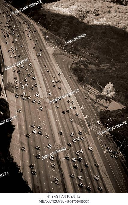 Traffic on the San Diego Freeway in Los Angeles at the exit to the Getty Center