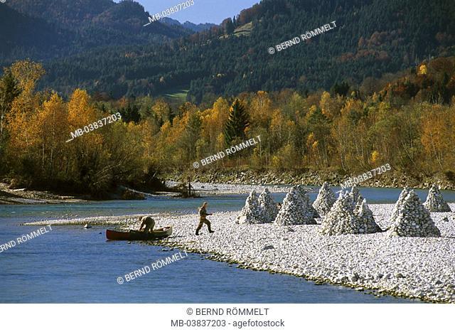 Germany, Upper Bavaria, Isar corners,  River Isar, canoeists, mounds,   Southern Germany, Bavaria, alpine upland, close to bath Tölz, Arzbach