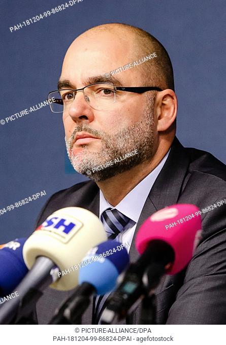 04 December 2018, Schleswig-Holstein, Kiel: Claus Schaffer, deputy faction leader of the AfD Schleswig-Holstein, sits in a press conference