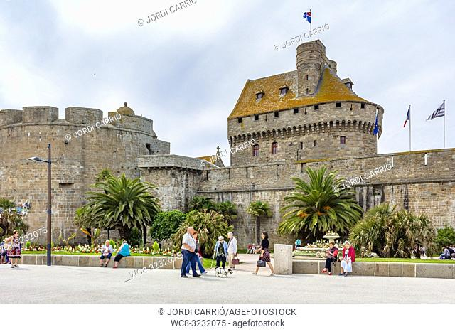 SAINT MALO, BRITTANY, FRANCE: Entrance area to the walled town of Saint Malo
