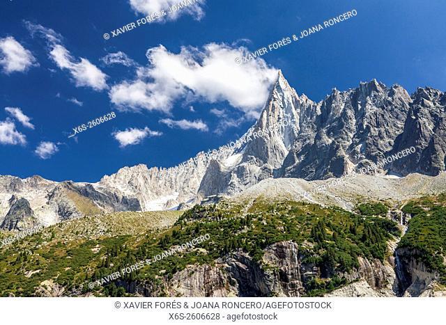 Aiguille du Dru, Mer de Glace and Montenvers, Chamonix Mont-Blanc, Haure-Savoie, Rhône-Alpes, France