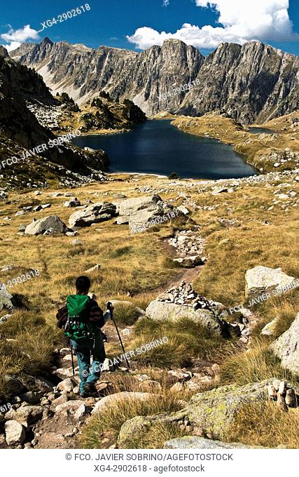 Estany de Cap de Port. Provincia de Lleida. Cataluña. Pirineos. España. Europa