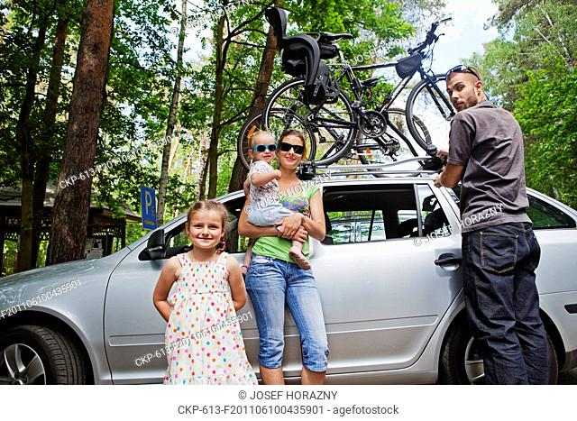 Girls on the family trip CTK Photobank/Josef Horazny, Martin Sterba Model released, MR