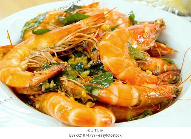 Cooked Prawns with Garlic and Curry Leaves Dish