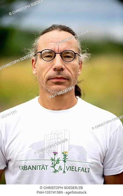 13.06.2018, Berlin: Patrick Loewenstein, coordinator of the project? Urbanitat & Vielfalt ?, stands on the former IGA site in Berlin