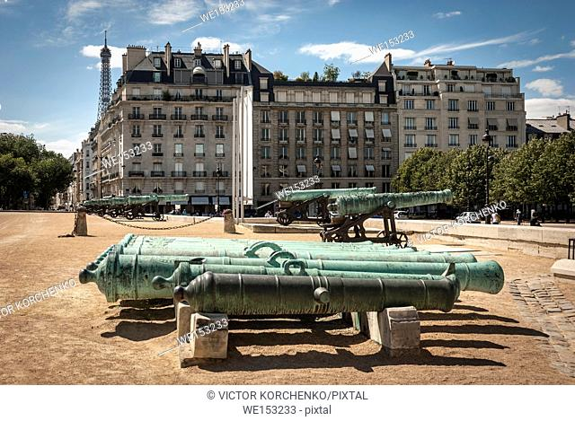 Cannons in the yard of Les Invalides in Paris