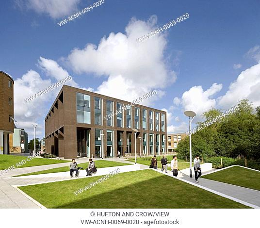 Postgraduate Statistics Centre And Learning Zone Building Lancaster University, Lancaster, United Kingdom. Architect: John McAslan & Partners, 2011