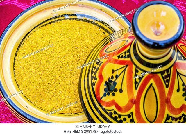 Morocco, High Atlas, Marrakesh, ras el hanout spice in a small tagine
