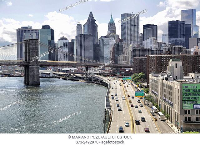 Skyline of Lower Manhattan and Brooklyn Bridge, view from Manhattan Bridge, Manhattan, New York, USA