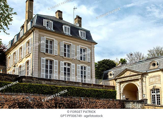 PRIVATE TOWN MANSION, BOULEVARD BANSARD DES BOIS, BELLEME (61), TOWN IN THE REGIONAL PARK OF THE PERCHE, VILLAGE OF CHARACTER, NORMANDY, FRANCE