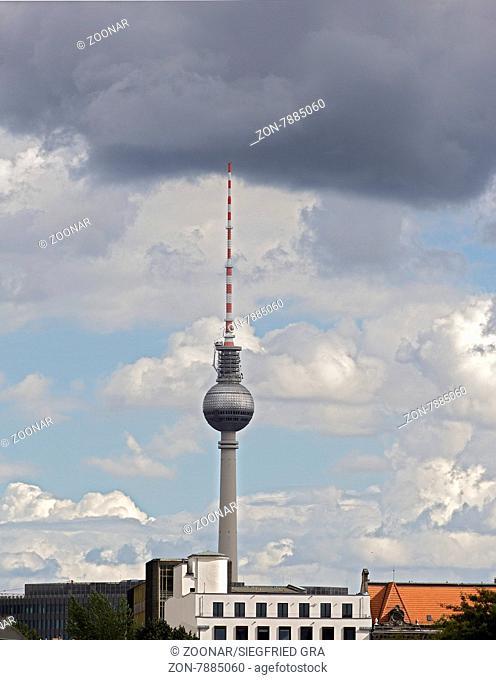 Berliner Fernsehturm steht im Zentrum Berlins nahe dem Alexanderplatz und ist mit 368 Metern das höchste Bauwerk Deutschlands sowie das vierthöchste...
