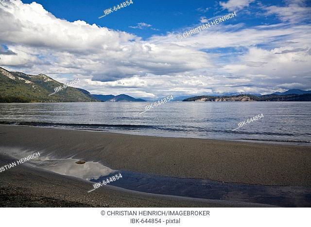 Lake Nahuel Huapi, national park Parque Nacional Nahuel Huapi, lake region of northern Patagonia, Argentina, South America