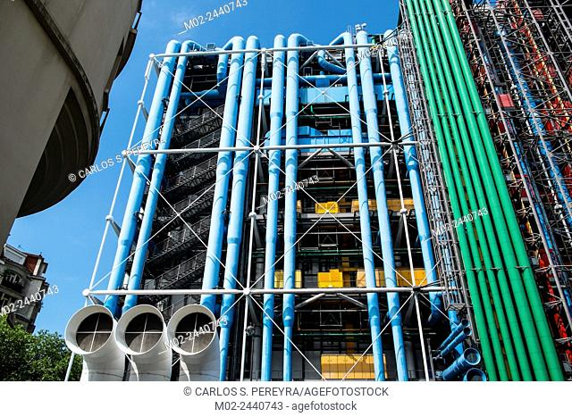 Centre Georges Pompidou (1977) was designed in style of high-tech architecture. It houses library, National Art Modern museum and IRCAM. Paris, France