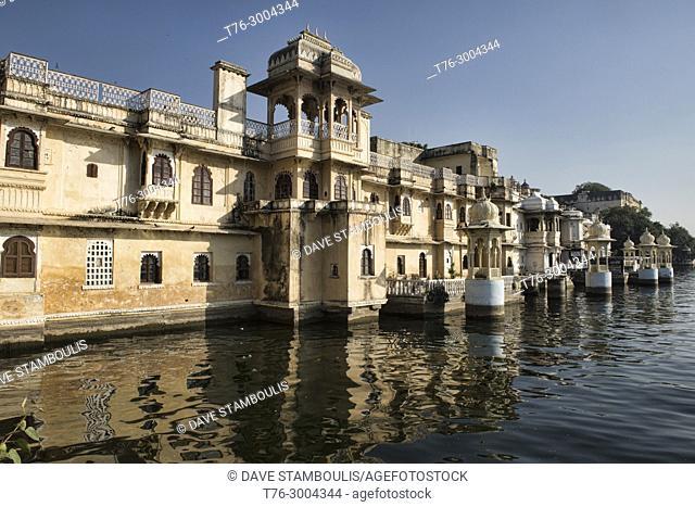 The old Bagore Ki Haveli Mewari Prime Minsiter's home on Lake Pichola, Udaipur, Rajasthan, India