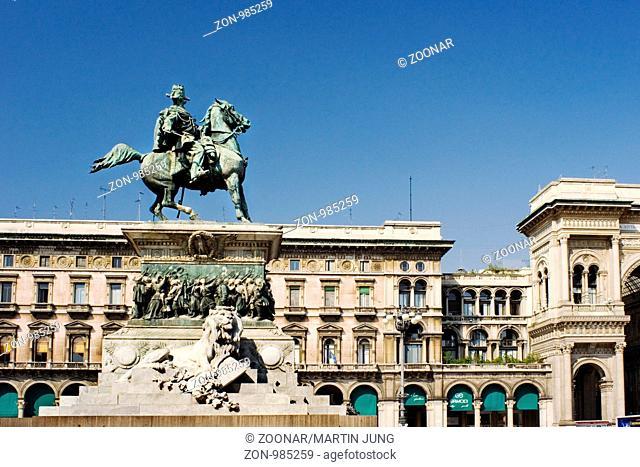 Das Reitehrdenkmal des Vittorio Emanuele II auf der Piazza del Duomo in Mailand