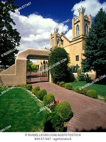 Church Garden Of San Felipe De Neri, Albuquerque, New Mexico, Usa