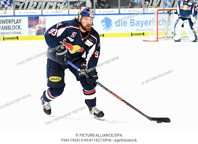 12 April 2019, Bavaria, München: Ice hockey: DEL, championship round, semi-final, 5th matchday EHC Red Bull Munich - Augsburger Panther