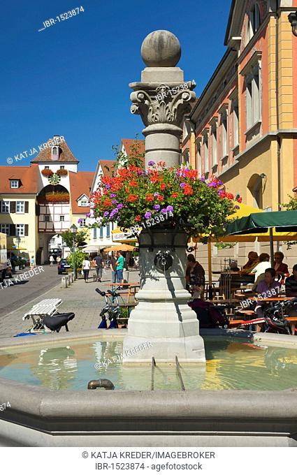 Fountain in the Unterstad district, street scene in Meersburg, Lake Constance, Baden-Wuerttemberg, Germany, Europe