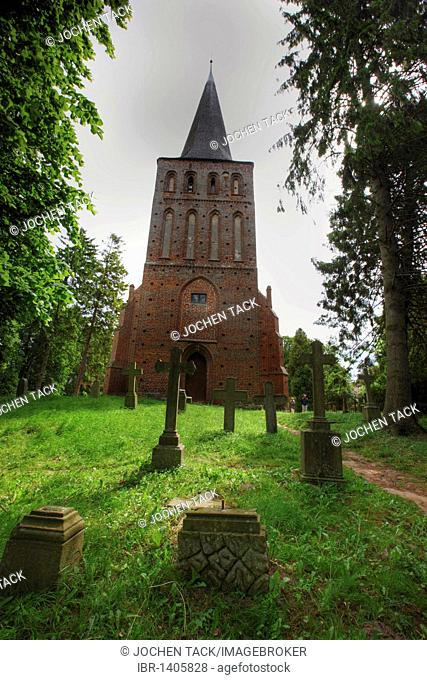 Village church of Vilmnitz, Putbus, cemetery, Ruegen island, Mecklenburg-Western Pomerania, Germany, Europe