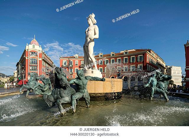 France, Provence, Côte d'Azur, Provence-Alpes-Côte d'Azur, Nizza, Nice, Fontaine du Soleil, Fountain of the Sun, Place Massena, Appolo Statue, Alpes Maritimes