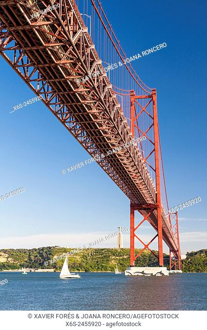 Ponte 25 de Abril, - Bridge of April 25-, Lisboa, Portugal