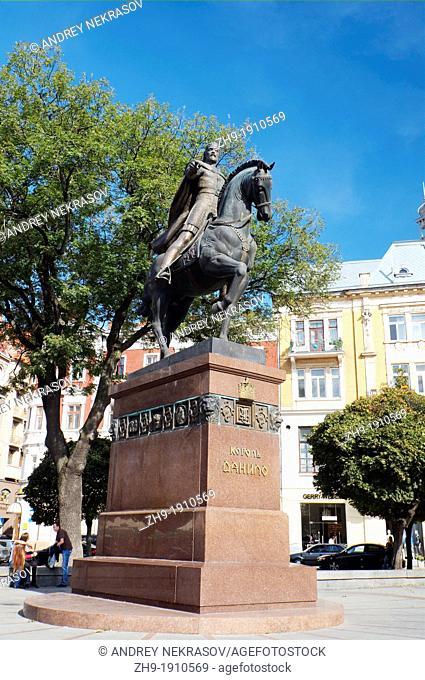monument King Danilo, Old city center, Lviv, Ukraine, Eastern Europe