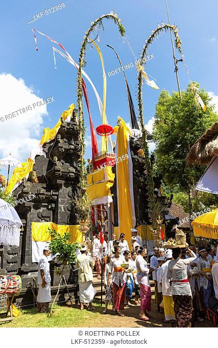 Balinese people at Odalan temple festival, Sidemen, Bali, Indonesia