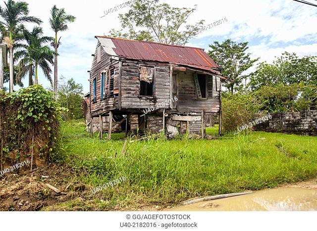 Belize, Punta Gorda, abandoned home