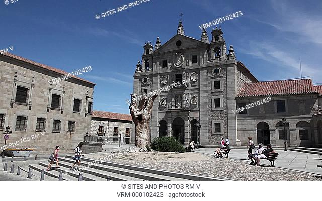PAN. Daylight. Exterior of the convent and Plaza de la Santa. The Baroque convent was built in 1636, after the canonization of St