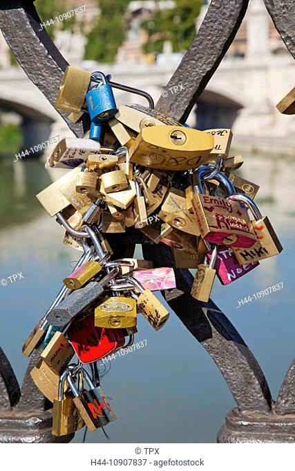 Europe, Italy, Rome, Sant' Angelo Bridge, Ponte S'Angelo, Bridge, Locks, Padlocks, Tourism, Holiday, Vacation