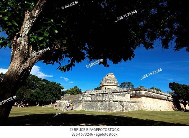 El Caracol aks Observatory tempe in pre-Hispanic Mayan city of Chichen-Itza  Chichen Itza  Mexico