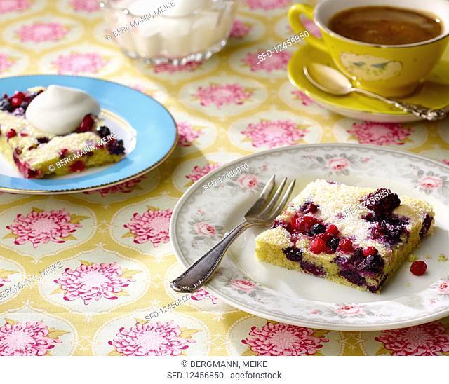 Berry tray bake cake
