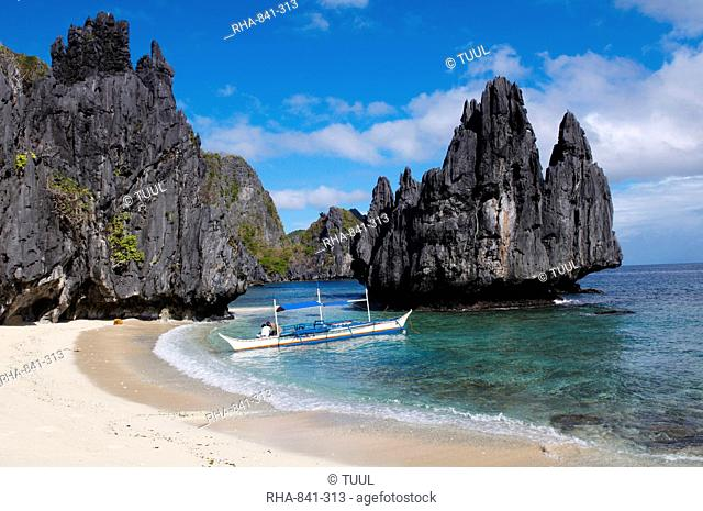 Bacuit archipelago at El Nido, Palawan Island, Philippines, Southeast Asia, Asia