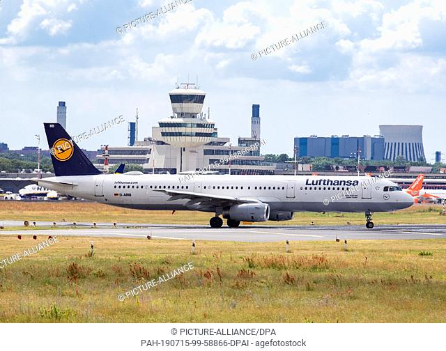 """13 July 2019, Berlin: An Airbus """"""""Baden-Baden"""""""" aircraft of the airline Lufthansa is taxiing to the start at Tegel Airport. Photo: Soeren Stache/dpa"""