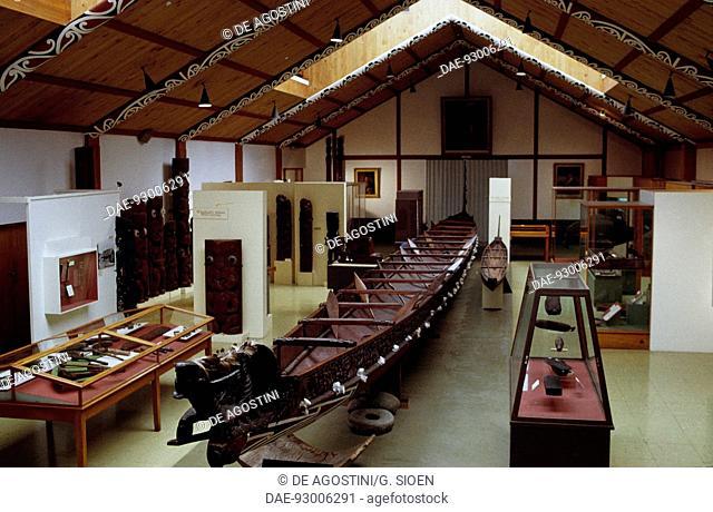 Waka taua, Maori war canoe, Whanganui, New Zealand.  Wanganui, Museo d'arte Maori