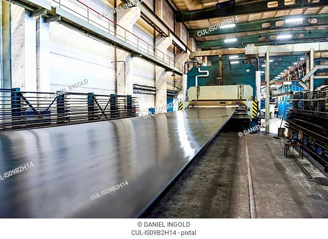 Conveyor belt in rubber roller factory