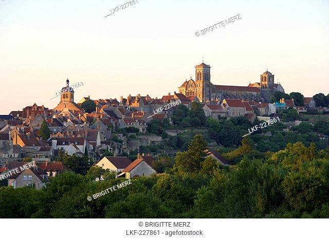 Vezelay with St Mary Magdalene Basilica in the evening, The Way of St. James, Chemins de Saint Jacques, Via Lemovicensis, Vezelay, Dept