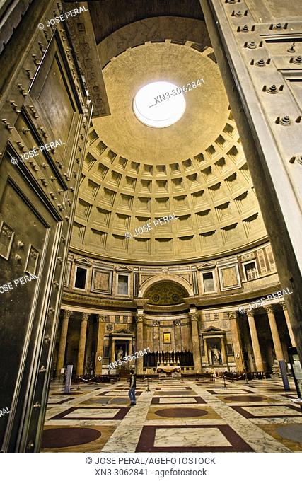 Main entrance door, Pantheon, Pantheon's dome and oculus, Roman temple, Piazza della Rotonda square, Rome, Lazio, Italy, Europe
