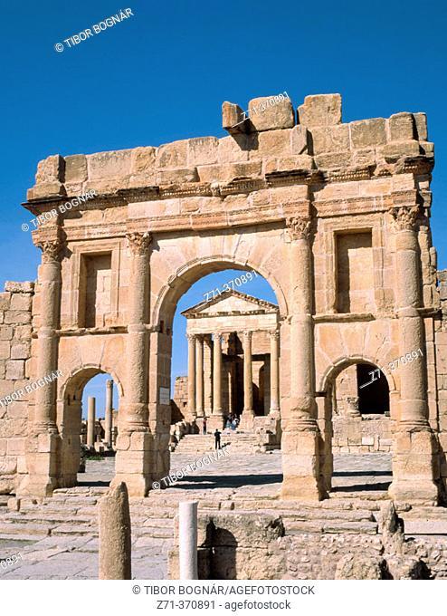 Arch and forum esplanade (c. 139 AD) at the old Roman city of Sbeitla. Tunisia