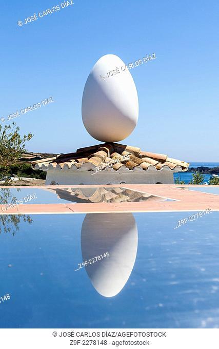 Egg in the Casa Museu Dalí, Port Lligat, Cadaques, Girona province, Catalonia, Spain