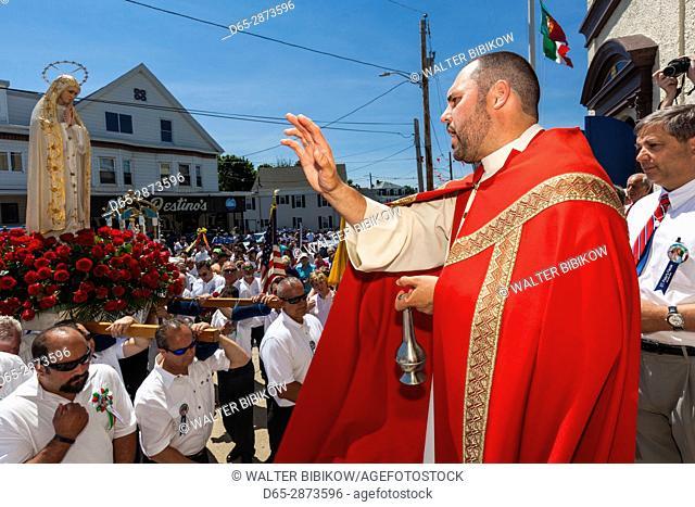 USA, Massachusetts, Cape Ann, Gloucester, St. Peter's Fiesta, Italian-Portuguese fishing community festival, religious procession
