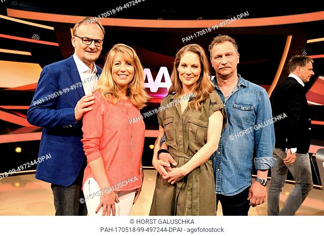 The hosts Frank Plasberg (l-r) and Anne Gesthuysen as well as actress Tessa Mittelstaedt and her husband, actor Mathias Komm pose after the shooting of the ARD...