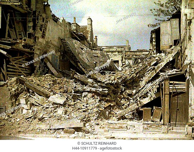 War, Europe, world war I, 1917, Europe, world war, color photo, Autochrome, F. Cuville, western front, department Aisne, France, Soissons, houses, homes, ruins