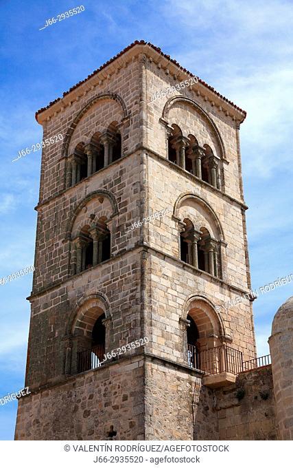 Julia tower o Primitive tower of Romanesque style. Church Santa María la Mayor. Trujillo