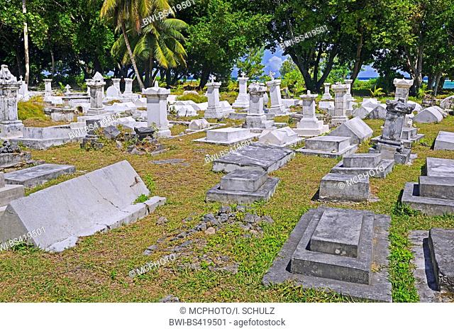 more than 100 years old graves on a graveyard, Seychelles, La Digue