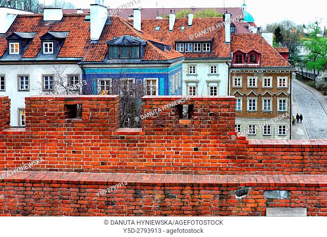 Miedzymurze Jana Zachwatowicza - space between fortified walls called Jan Zachwatowicz name, view for facades of townhouses - Mostowa street, Old Town