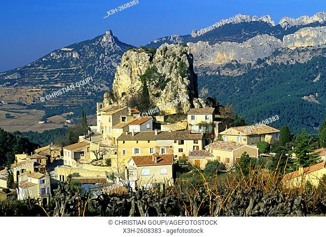 La Roque-Alric village, Vaucluse department, Provence-Alpes-Cote d'Azur region, southeastern France, Europe
