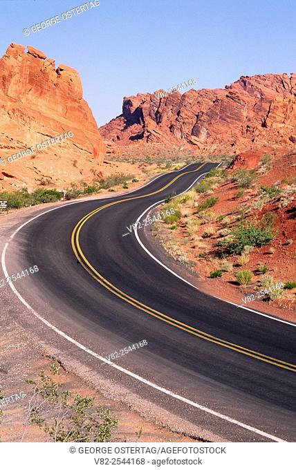 Park road, Valley of Fire State Park, Nevada