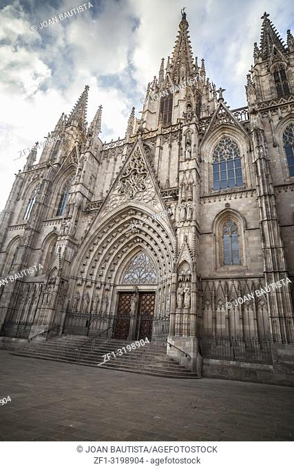 Main entrance cathedral of Barcelona