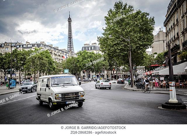 Clasic Scene, Strees of Paris with the Eiffel tower in the back